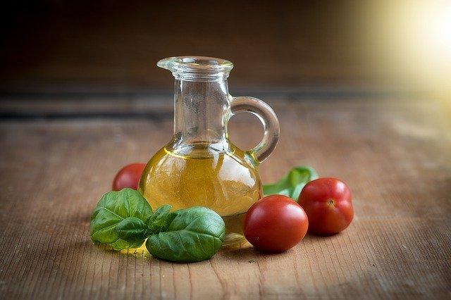 زيت الزيتون - علاج الشعر بزيت الزيتون - فوائد زيت الزيتون