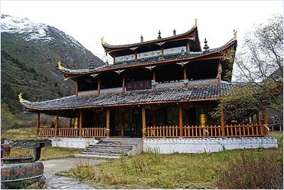วัดหวงหลง (Huanglong Temple) - อุทยานแห่งชาติหวงหลง (Huanglong National Park)