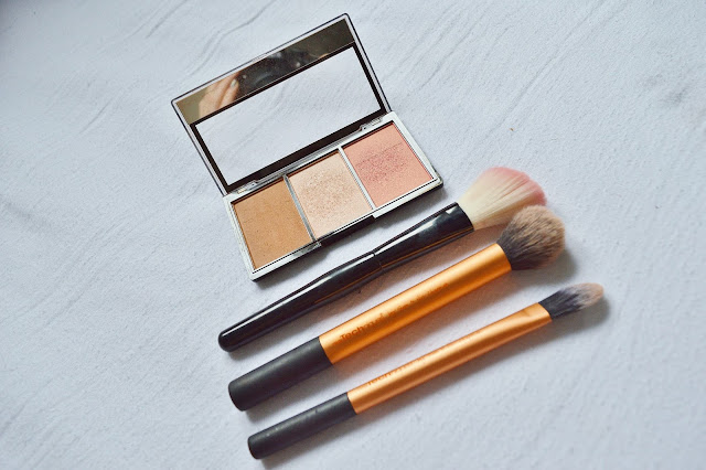 Make Up Revolution Contour Palette