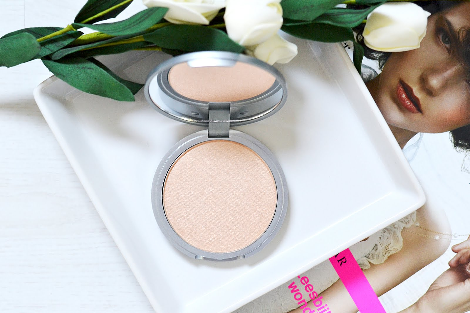 The balm, mary-lou, highlighter, luminzer, beauty & bobs, swatch, review