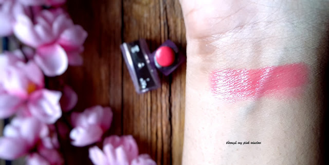 Loreal Paris Color Riche Nutri Shine Lipstick in shade in Vivid Rose: Review, Swatches and LOTD