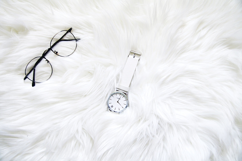 urban watch london, white watch, round glasses, tijn eyewear