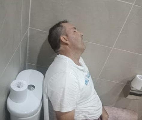 Turis Australia Ditemukan Meninggal di Toilet