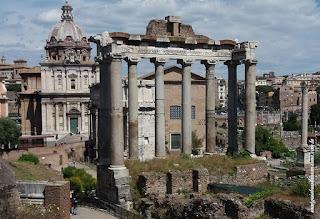 Foro ROmano, Templo de Saturno e igreja dos Santos Luca e Martina