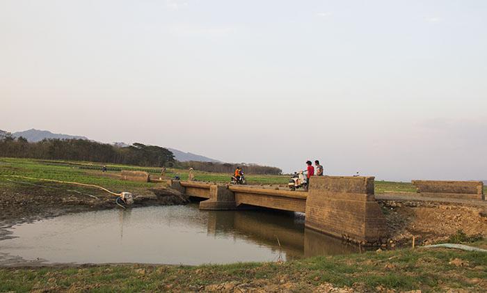 Bekas Jembatan Penghubung Jalan Utama Wonogiri-Pracimantoro yang Muncul Kembali