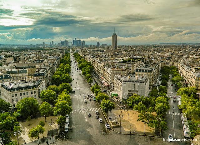 Torre Montparnasse vista do alto do Arco do Triunfo, Paris