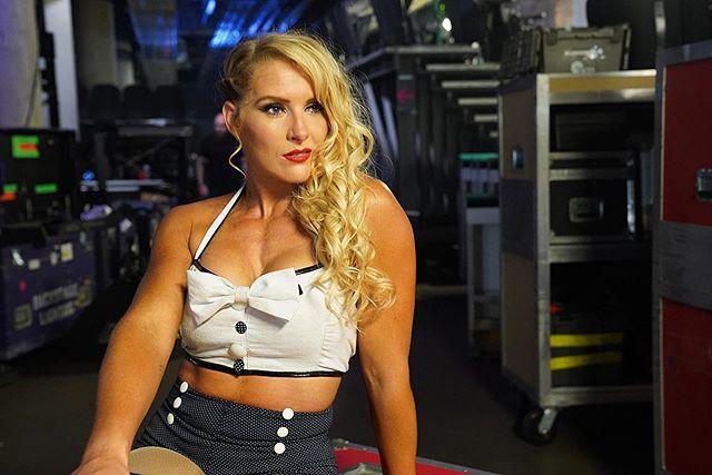 Natalya Neidhart Hot & Sexy Pics
