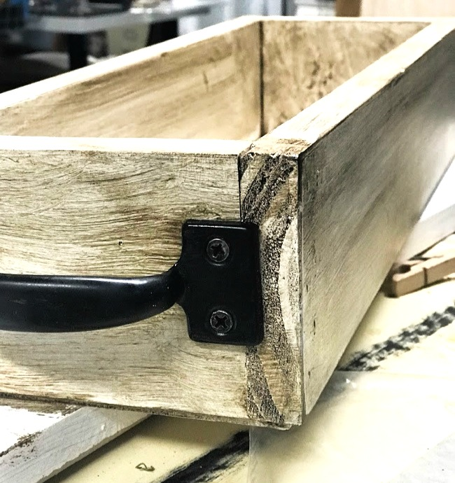Glazing a DIY crate