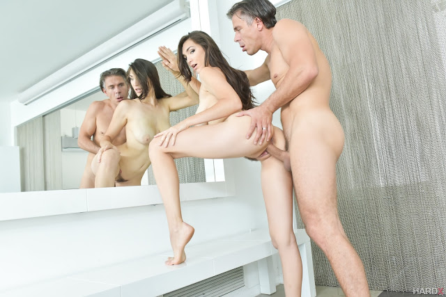 Holly Michaels - A Return to Anal (HardX)