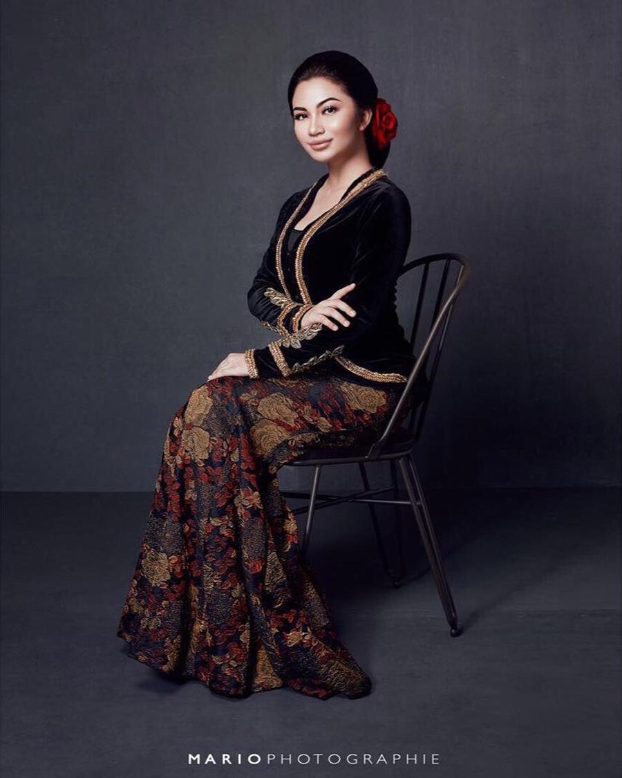 ariel tatum endorse batik seksi dan