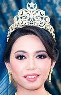 diamond crescent star tiara queen saleha brunei princess izzat hayati
