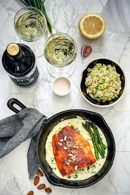 Pečeni losos u sosu od belog vina