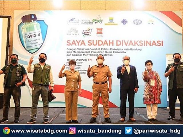 3000 Pelaku Usaha Wisata di  Kota Bandung Mendapatkan Vaksinasi Covid-19 Tahap Pertama
