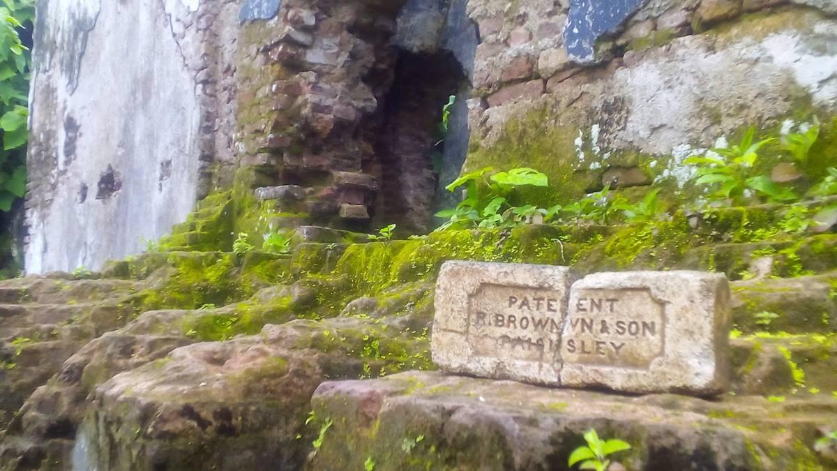 prasasti ditemukan di puing benteng Nassau