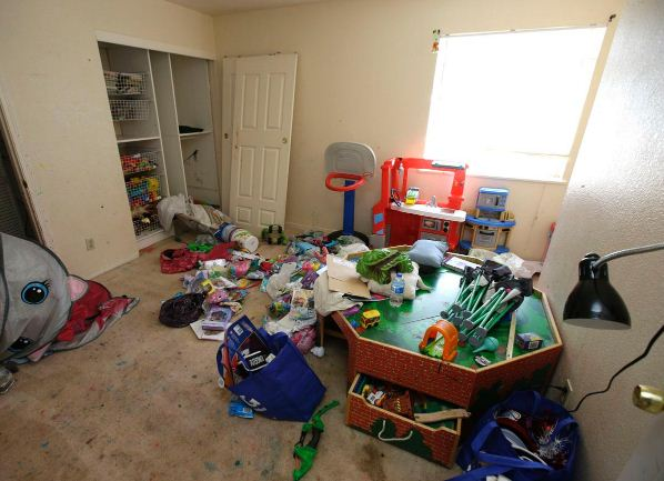 california-couple-charged-neglecting-torturing-10-kids