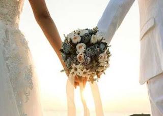 Desain Template Brosur Paket Wedding Elegan dan Menarik