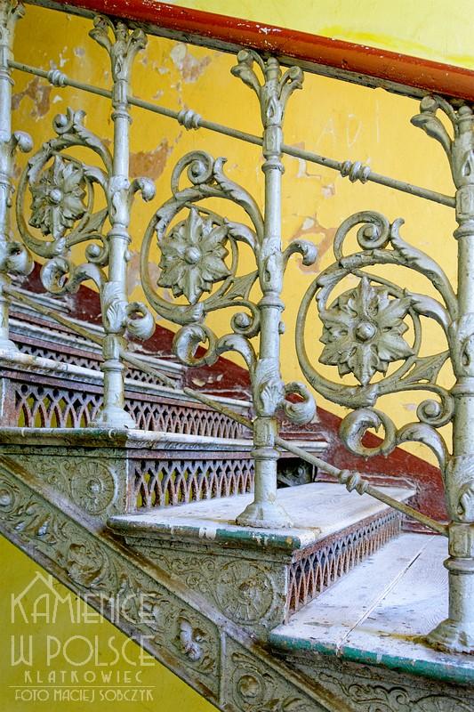 Radom. Kamienica. Architektura. Wnętrze. Żeliwne schody.