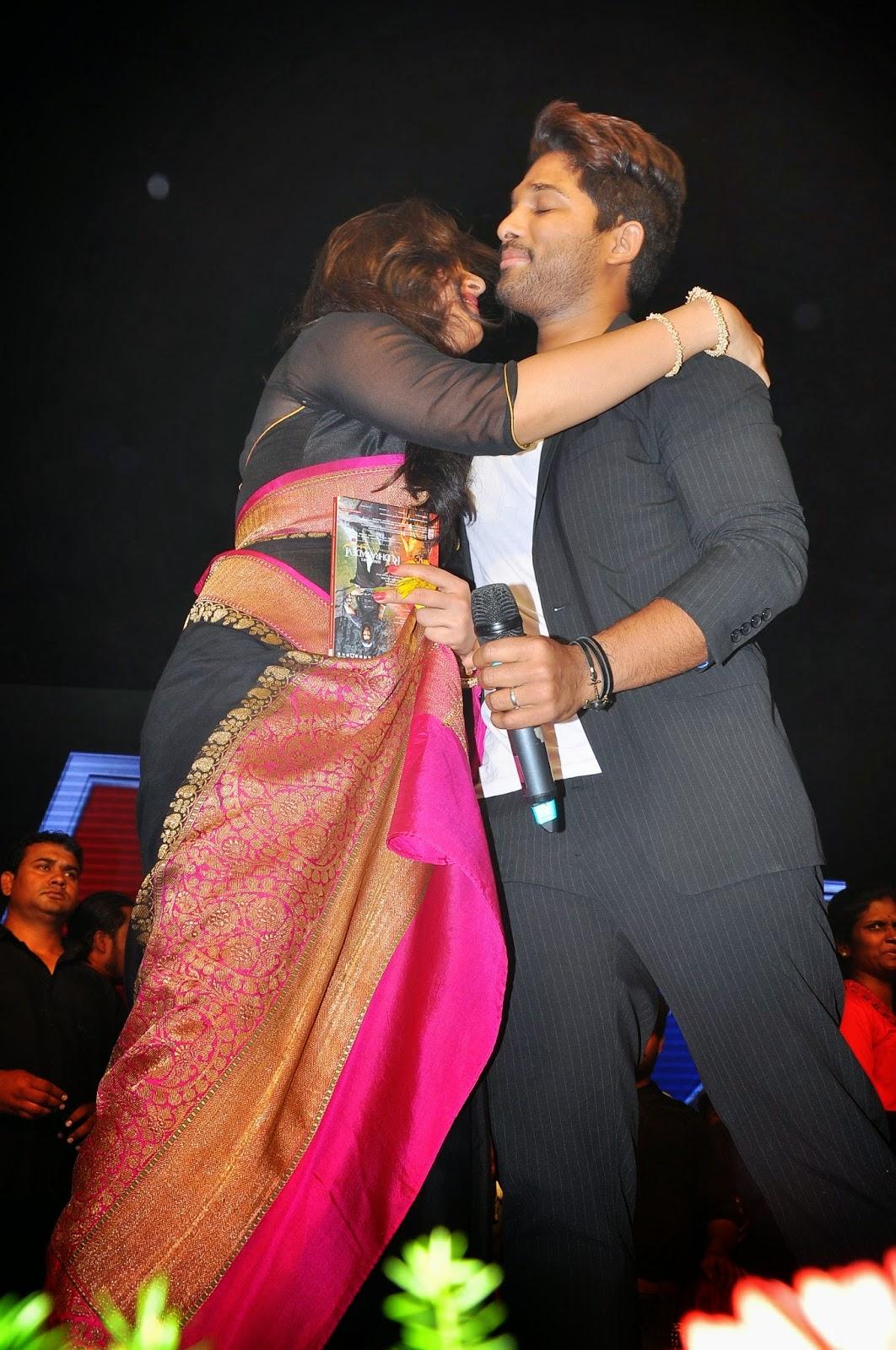 Allu Arjun Romantic Tight Hug to Anushka shetty