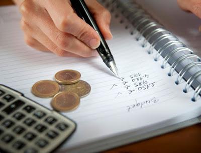 Come risparmiare soldi,spendere di meno,vivere con poco,minimalismo