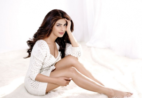 Actress Priyanka Chopra Sizzling Photo Gallery