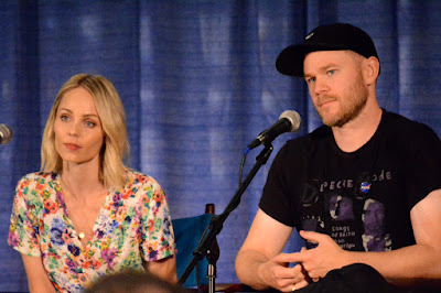 Laura Vandervoort (Kara) & Aaron Ashmore (Jimmy Olsen) during the Smallville panel