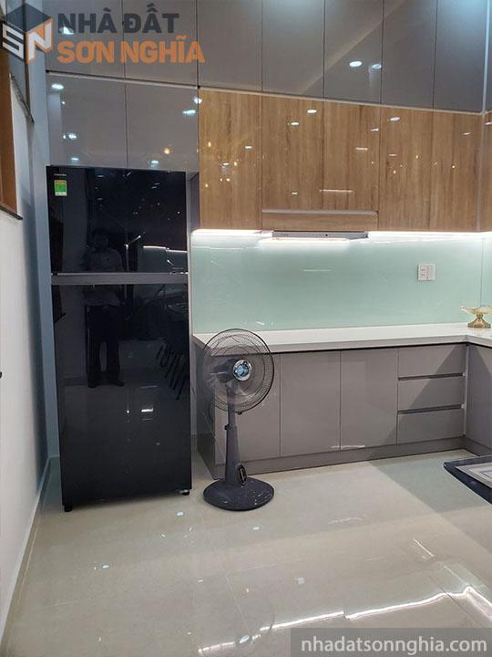 Tủ bếp Acrylic bóng gương màu xám lịch lãm