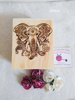 boite en bois avec élephant