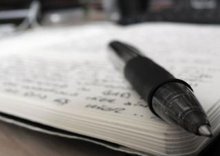 2 Contoh Puisi Satirik dalam Bahasa Indonesia
