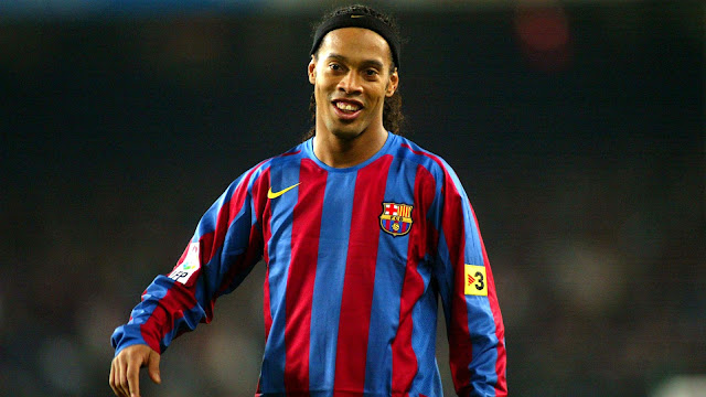 Players wore No.10 in FC Barcelona - Ronaldinho