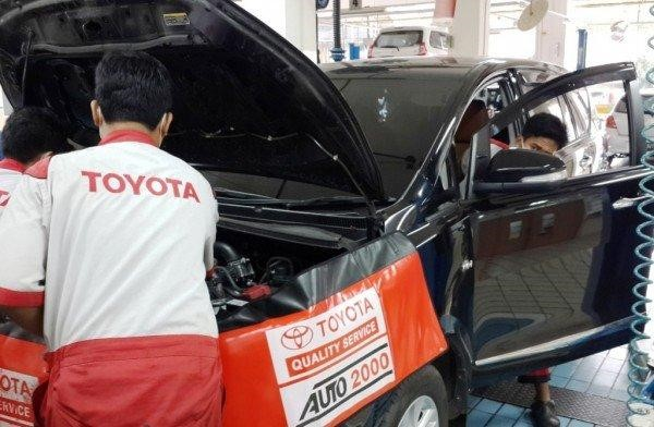 mobil toyota servis