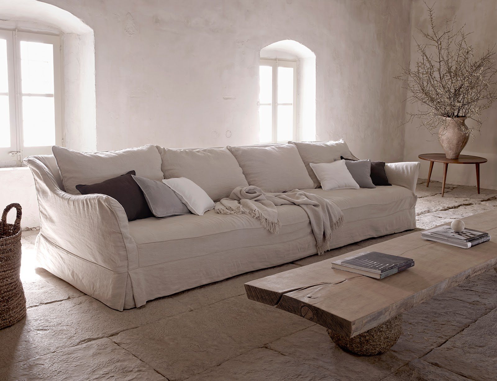 Divano In Lino Bianco : Zara home ecco la milano collection coffee break the italian