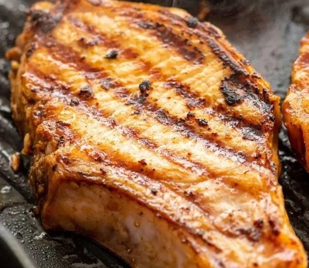 THE BEST PORK CHOP MARINADE #dinner #grilling