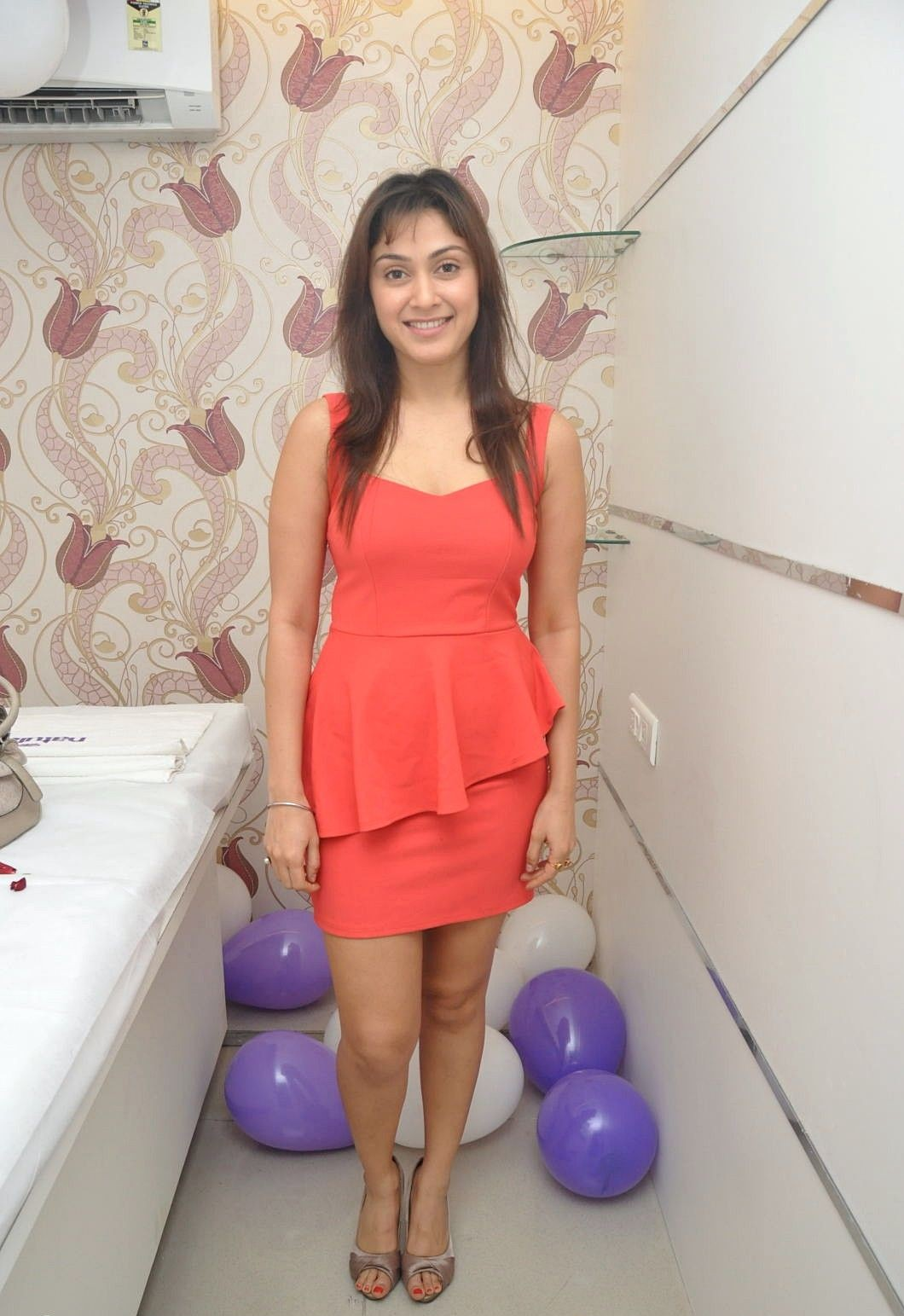 MY COUNTRY ACTRESS: Actress Manjari at Naturals Launches ...