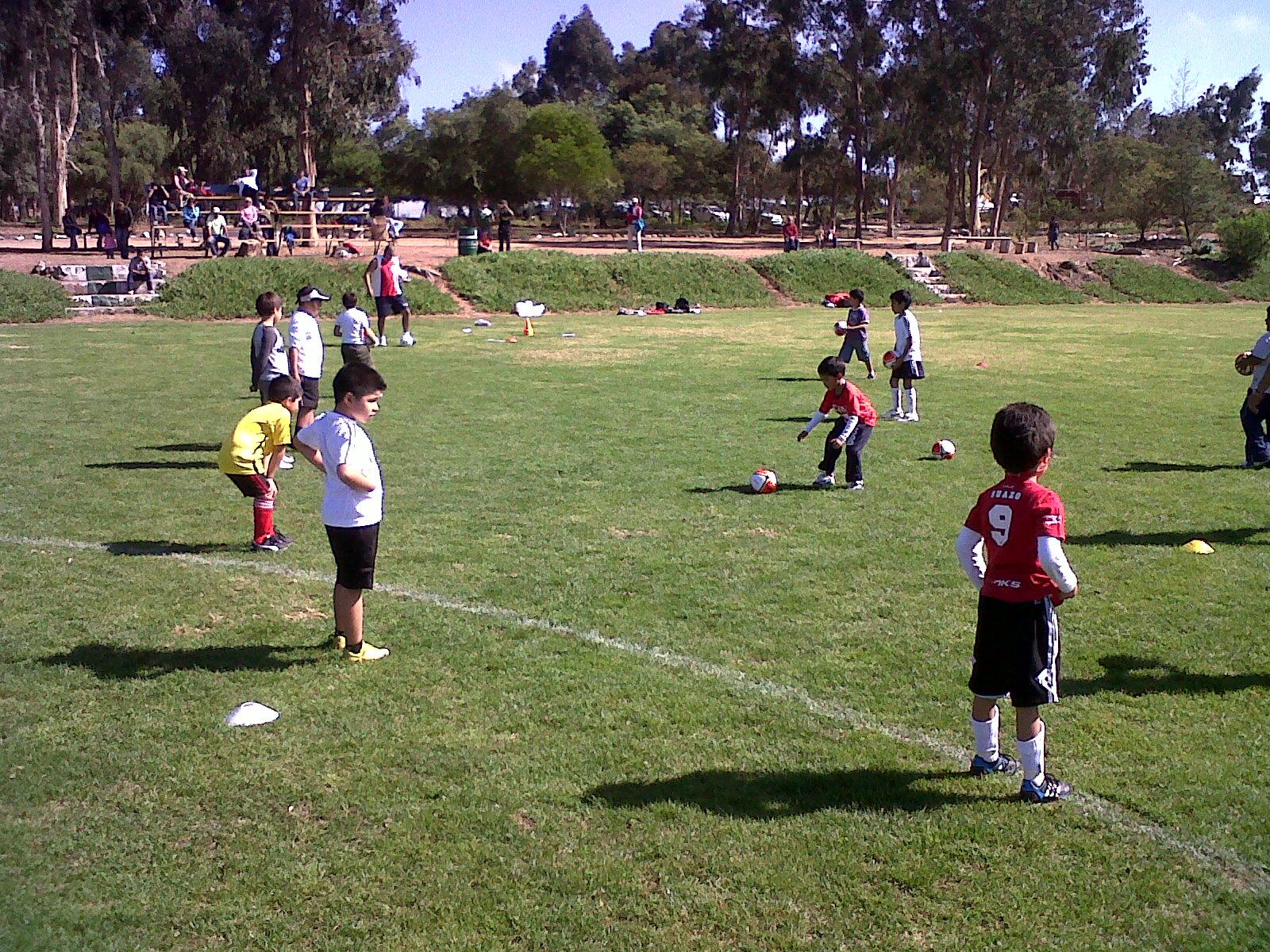 Actividades Recreativas Para Niños Y Adolescentes El Futbol