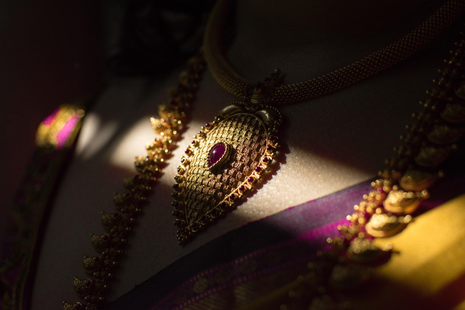 Buy Jewelry This Diwali