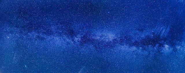 لم يستطع أحد لحد الآن رؤية السماء الحقيقية ، وإنما نحن نرى فقط السماء الوهمية