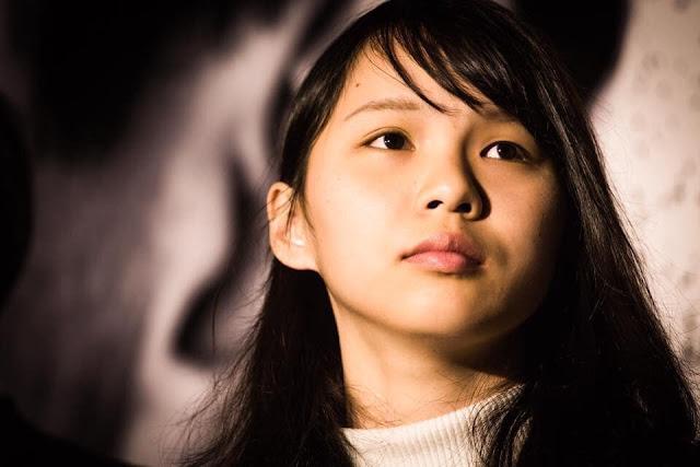 Chu Đình (Agnes Chow Ting) sinh năm 1996, 23 tuổi, trẻ trung xinh đẹp và bản lĩnh