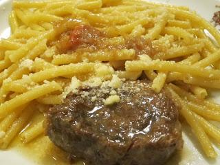 Leon d'Oro Restaurant, Piazza Dante, Naples, pasta all Genovese