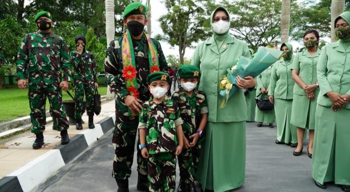 Pangdam Hasanuddin : Jadilah Prajurit Yang Profesional , Jago Perang,Jago Tembak,Jago Beladiri dan Hebat Di Pertempuran