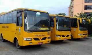 fasilitas bus lengkap dengan pendingin nyaman untuk para penumpang namun 140 armada bus kini belum berjalan maksimal tidak mampu mengakomodir 30 rute perjalanan bus sekolah akibatnya para pelajar harus menanti lama penyebabnya karena bus terbagi untuk beberapa wilayah Jakarta