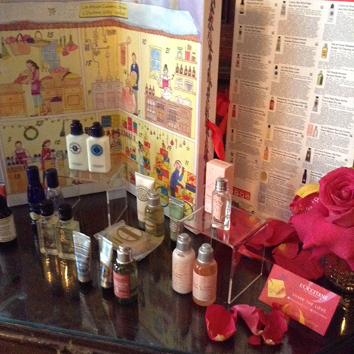 I Am Obessessed with L'Occitane Advent Calendar ~ #Review #2016GiftGuide