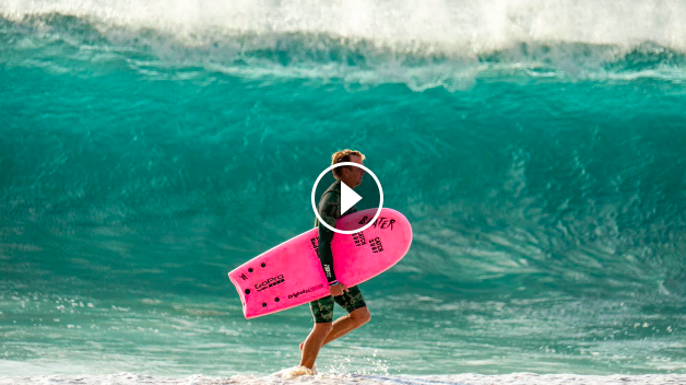 FINLESS SURFING AT PIPELINE WITH JORDY SMITH