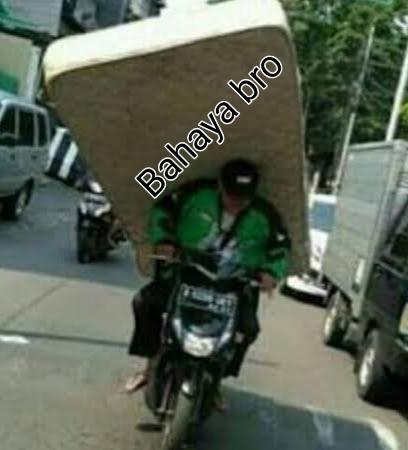 Gambar pengiriman paket super besar,gambar paket besar,penumpang yang harus di hindari saat menjadi ojek online