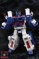 Transformers Kingdom Ultra Magnus 14