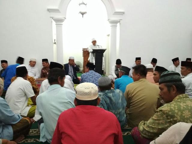 Penjabat Walikota Kagumi Masjid Umar bin Khatab