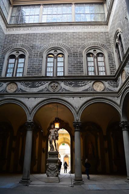 cour Palazzo Medici