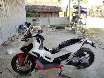 Modifikasi Motor metik seperti Nmax dan Xmax dengan bentuk Honda X adv
