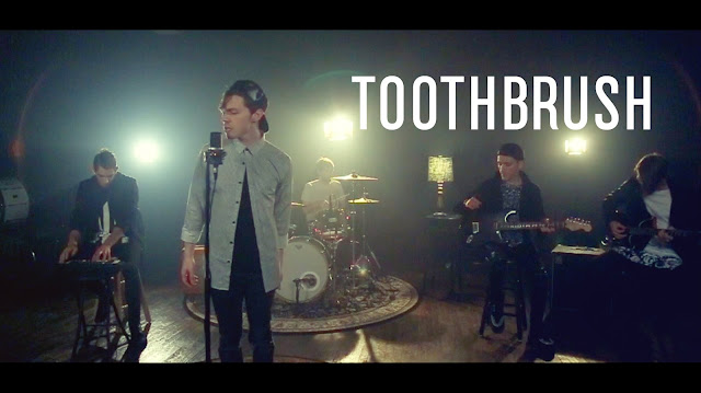 Video: DNCE - Toothbrush
