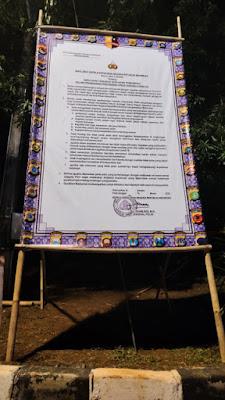 Polres dan Seluruh Polsek Indramayu Melaksanakan Pemasangan Baliho Maklumat Kepolisian Rupublik Indonesia