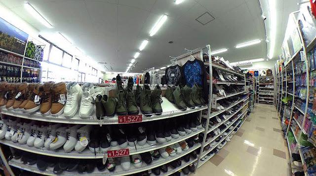 ワークマンの靴も格安で人気